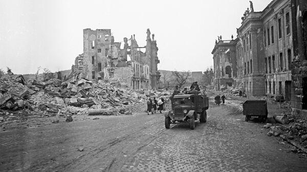 Развалины знаменитой Дрезденской картинной галереи