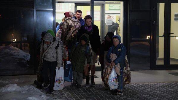 Первая группа детей, вывезенная из лагеря Аль-Холь