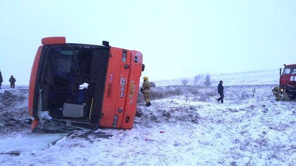Автобус Горловка – Севастополь перевернулся на трассе возле Новоазовска. 6 февраля 2020