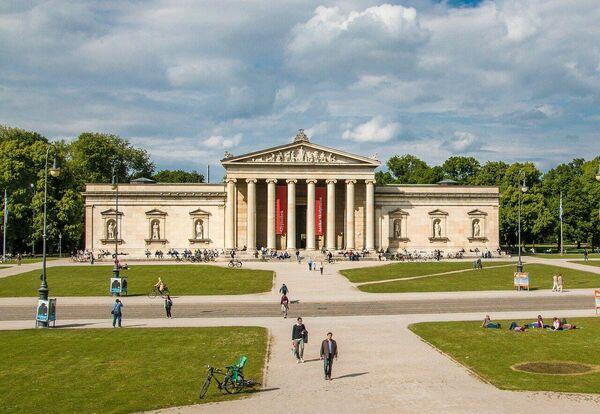 Здание Глиптотеки в Мюнхене