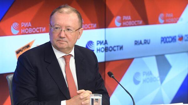 Ректор Дипломатической академии МИД России Александр Яковенко во время пресс-конференции в МИА Россия сегодня