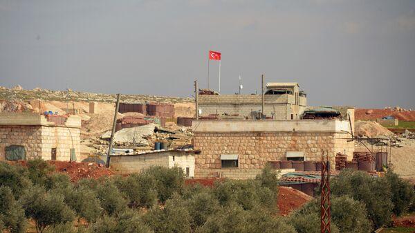 Турецкий пост наблюдения на границе с Сирией в окрестностях сирийского города Мааррат-эн-Нууман