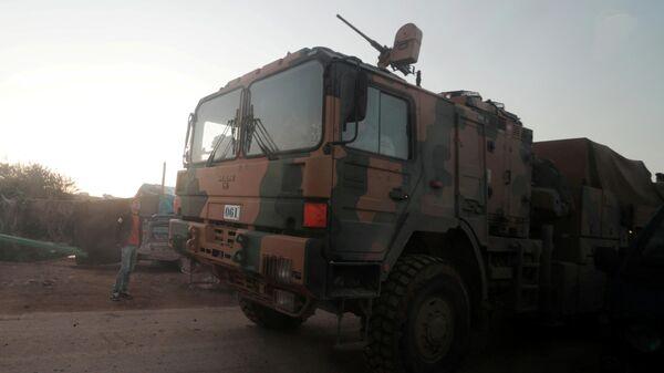 Турецкая военная техника на сирийско-турецкой границе в Идлибе, Сирия