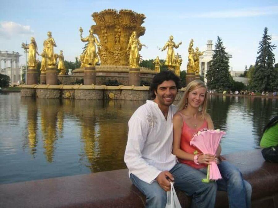 Светлана Манжосова, муж Массимилиано Мартинуцци, дети — Мишель, старшая, София — младшая