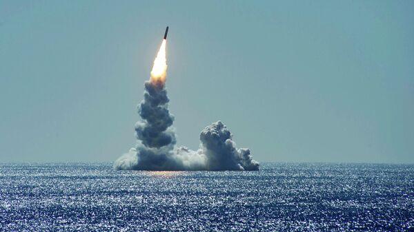 Запуск баллистической ракеты Trident II (D5LE) с подводной лодки USS Maine