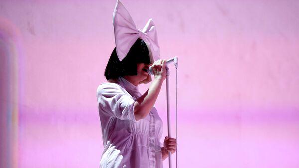 Австралийская певица Sia