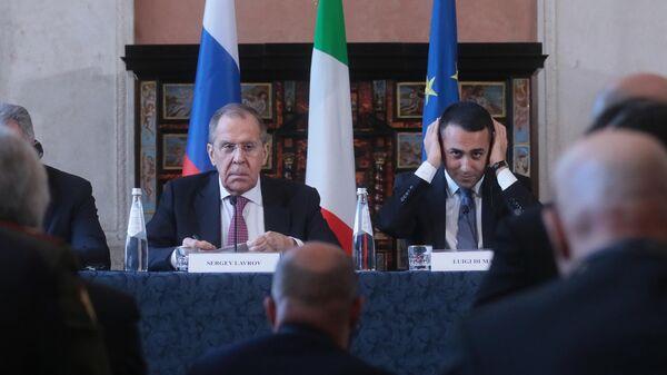 Министр иностранных дел РФ Сергей Лавров и министр иностранных дел Италии Луиджи Ди Майо на пресс-конференции по итогам российско-итальянских переговоров. 18 февраля 2020