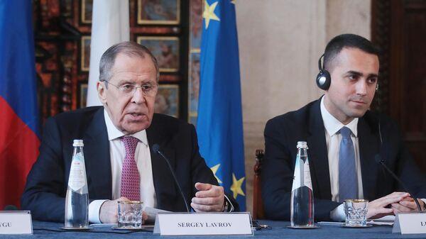 Министр иностранных дел РФ Сергей Лавров и министр иностранных дел Италии Луиджи Ди Майо на пресс-конференции по итогам российско-итальянских переговоров
