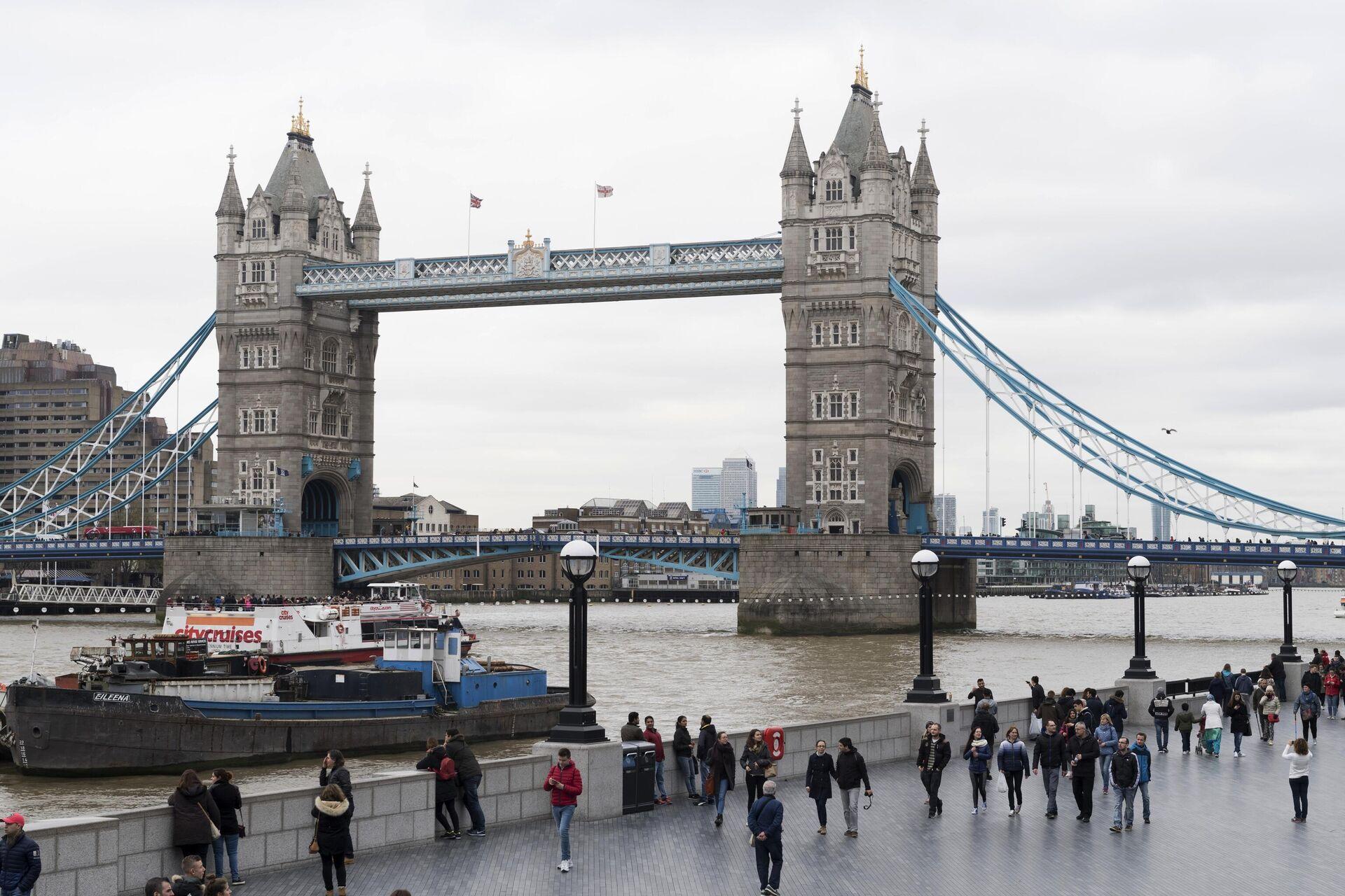 Тауэрский мост над рекой Темзой в Лондоне - РИА Новости, 1920, 18.10.2020