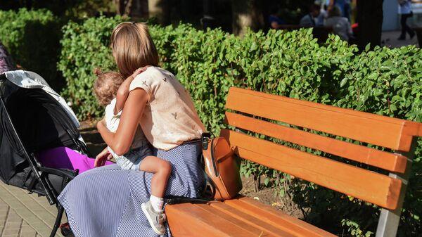 Девушка с ребенком