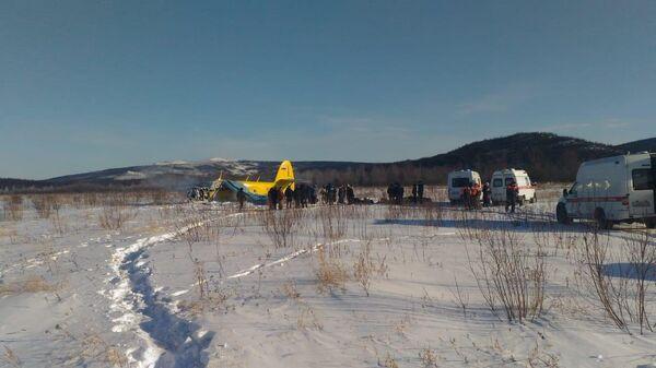 На аэродроме Магадан-13 совершил жесткую посадку частный самолет АН-2