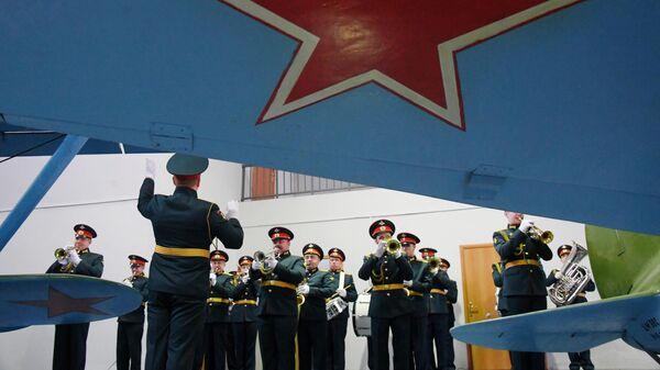 На открытии экспозиции самолетов в Центральном музее Военно-воздушных сил в Монино