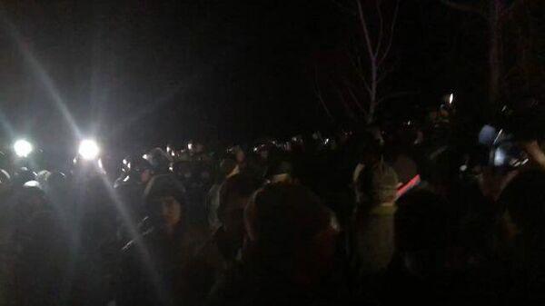 Украинская полиция расчистила проезд для эвакуированных из Китая