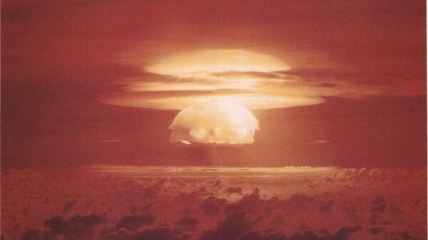 Облако, образовавшееся после взрыва атомной бомбы