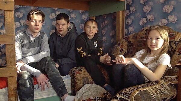 Отец-инвалид и четверо детей 8 лет ждут жилье