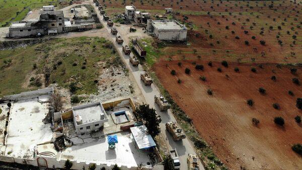 Колонна турецкой военной техники на северо-западе Сирии. 22 февраля 2020