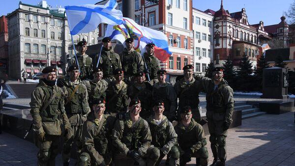Морские пехотинцы во время праздничных мероприятий в честь Дня защитника отечества во Владивостоке