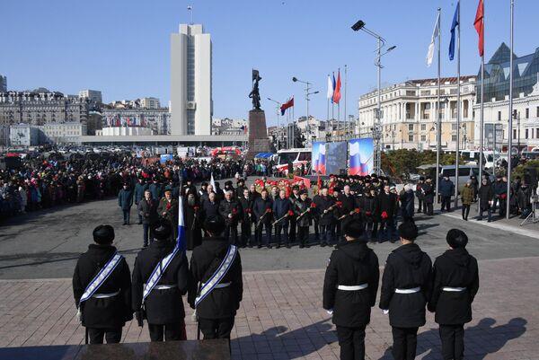 Праздничные мероприятия в честь Дня защитника отечества на центральной площади Владивостока