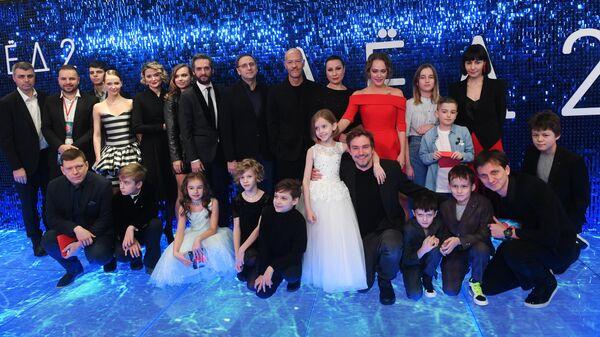 Съемочная группа на премьере фильма Лед 2