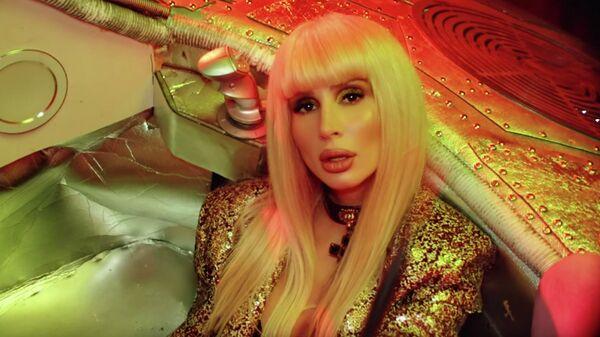 Кадр из клипа  Новый Рим певицы LOBODA