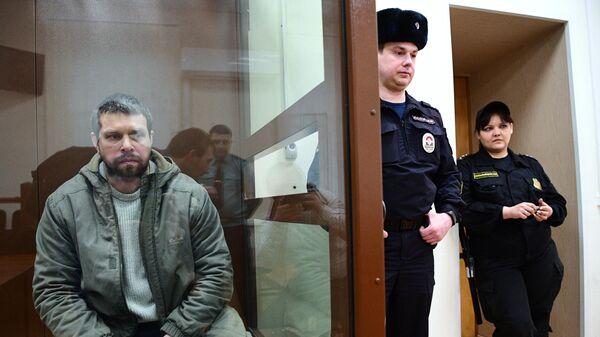 Бывший полицейский Денис Коновалов в суде