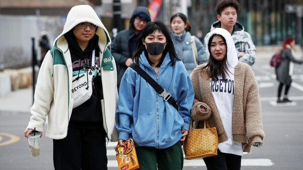 Девушки в китайском квартале в Чикаго, Иллинойс