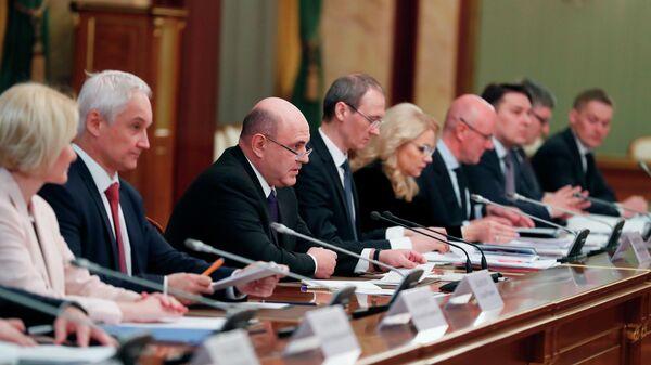 Председатель правительства РФ Михаил Мишустин проводит встречу с членами Совета палаты Совета Федерации РФ