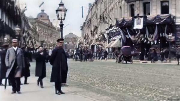 Нейросеть раскрасила видео 1896 года о Москве