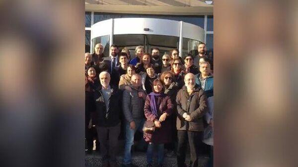 Журналисты Sputnik Турция освобождены после допроса в Анкаре