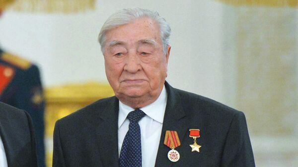 Герой Советского Союза, глава Совета ветеранов войны, труда, вооружённых сил и правоохранительных органов Курской области Михаил Булатов