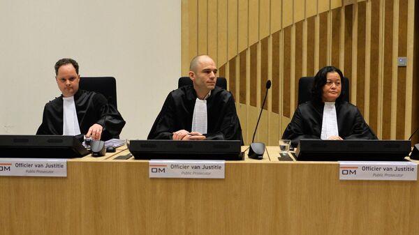 Государственные прокуроры на заседании суда в нидерландском Бадхоеведорпе по делу о крушении самолета Boeing 777 рейса MH17. 9 марта 2020