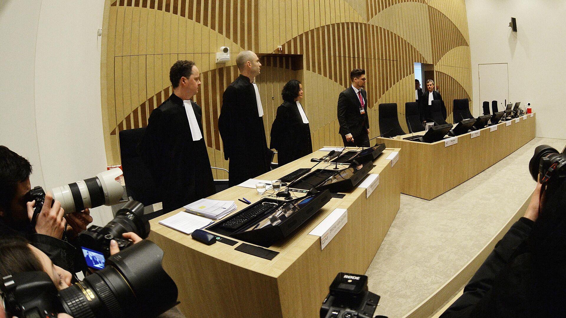 Начало заседания суда в нидерландском Бадхоеведорпе по делу о крушении самолета Boeing 777 рейса MH17 - РИА Новости, 1920, 18.12.2020