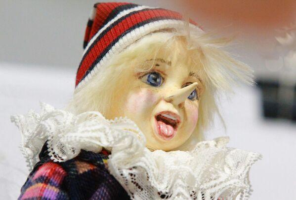 Авторская игрушка на международном весеннем балу авторских кукол в выставочно-презентационном комплексе T-Modul в Москве