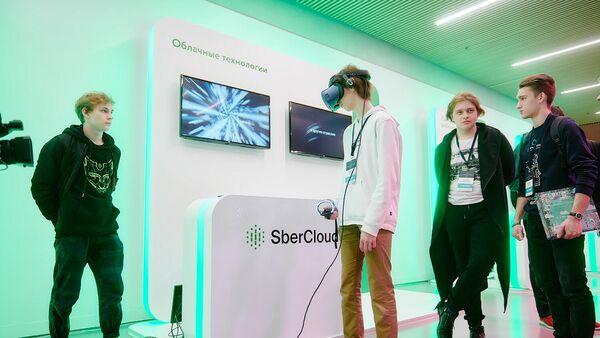 Акселератор Сбербанка СберZ обучает старшеклассников новым технологиям