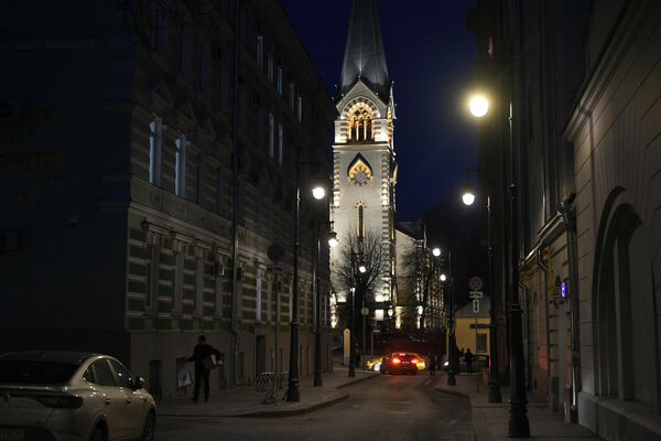 Кафедральный собор Святых Петра и Павла в Старосадском переулке