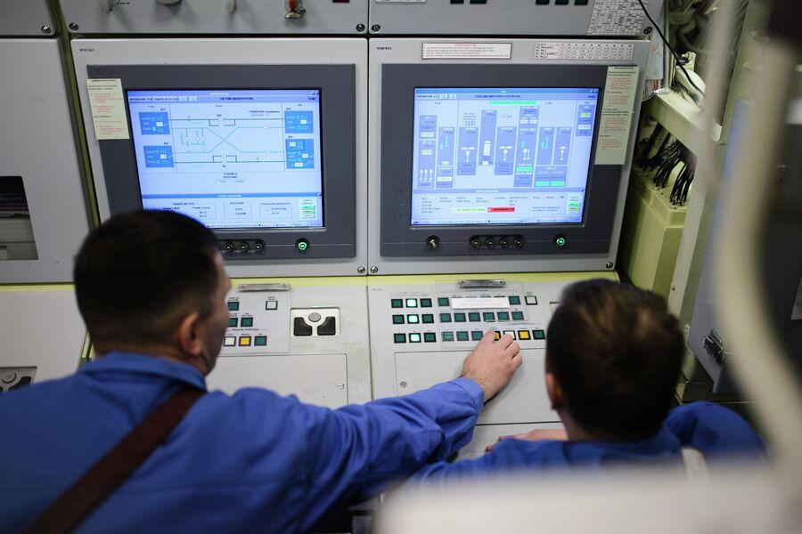 В центральном посту атомной подводной лодки Северодвинск