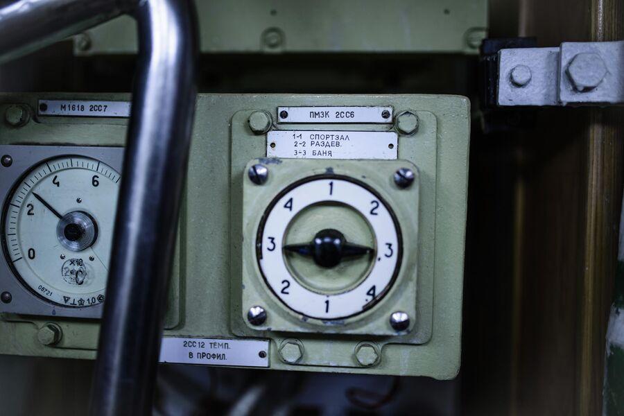 Приборы в отсеках атомной подводной лодки Северодвинск
