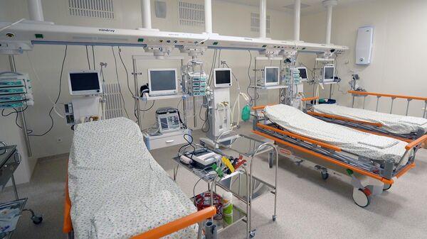 Медицинский стационар на территории больничного комплекса в Коммунарке