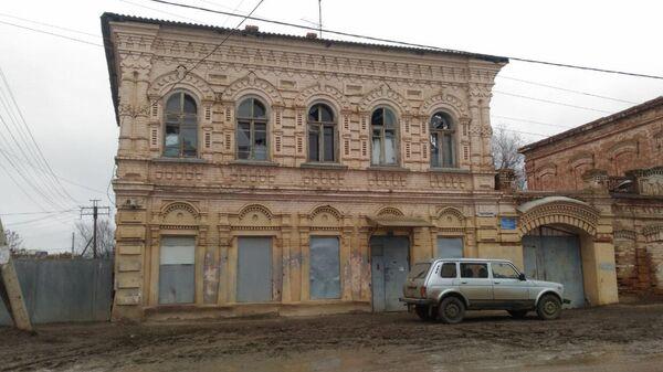 Здание, где сидит участковый