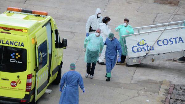 Эвакуация пассажиров круизного лайнера Costa Luminosa на Тенерифе