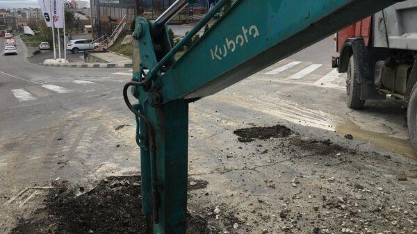 Подземное сооружение обнаружено при прокладке водопровода на углу улиц Дзержинского и Прохорова в городе Новороссийске