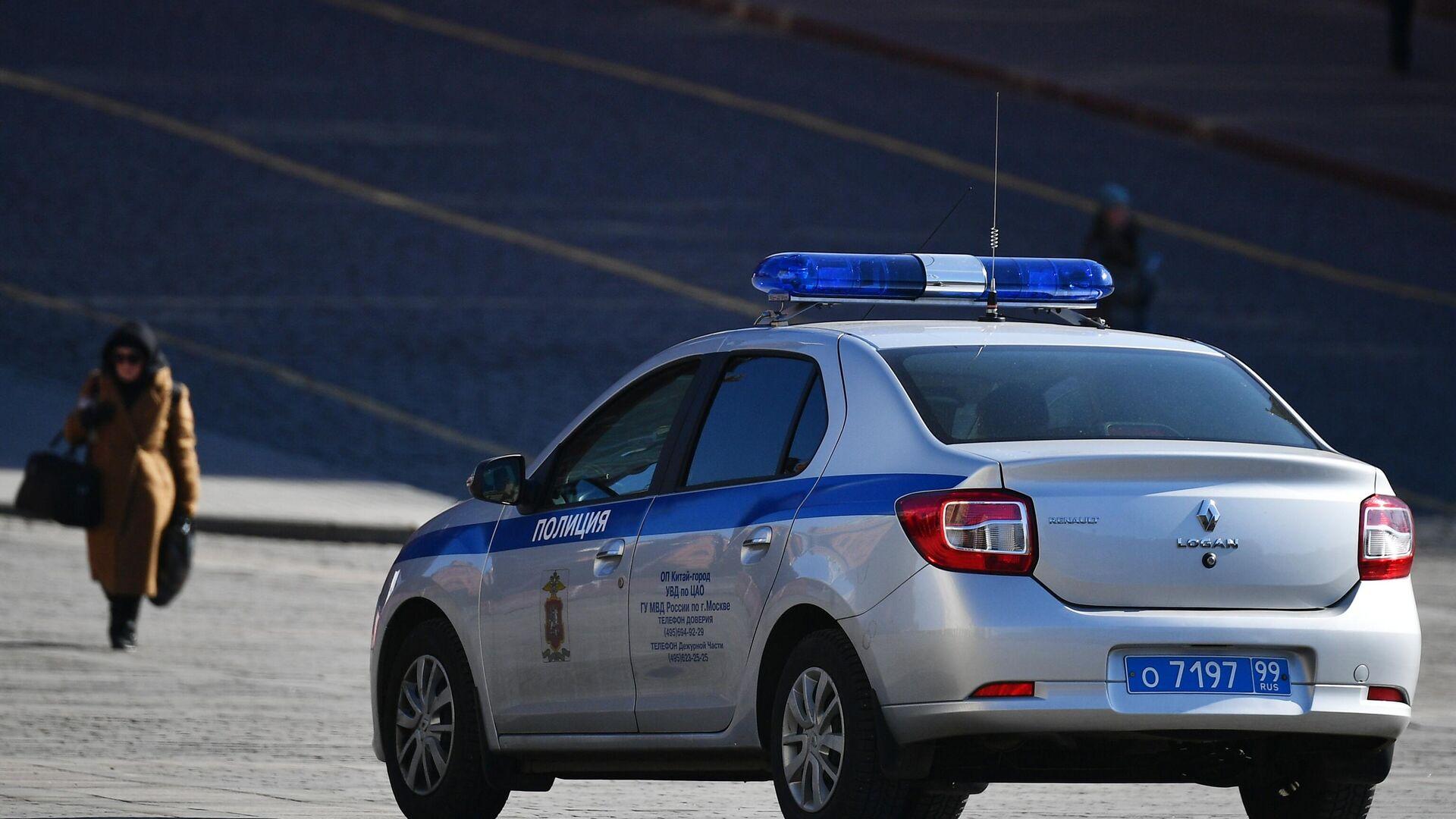 Полицейский автомобиль в центре Москвы - РИА Новости, 1920, 23.09.2020