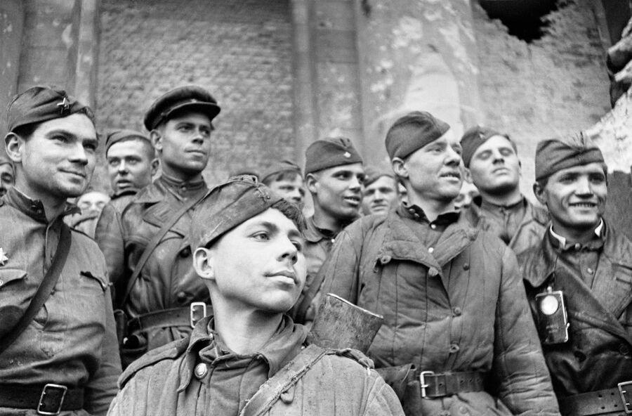 Бойцы, штурмовавшие Рейхстаг — взвод разведки 674 стрелкового полка 150-й стрелковой Идрицкой дивизии