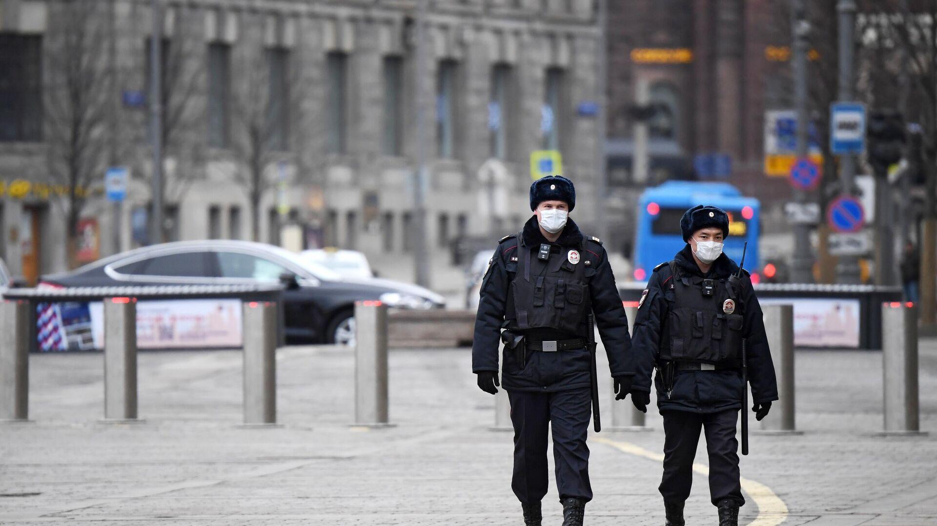 Сотрудники полиции в Москве - РИА Новости, 1920, 23.01.2021