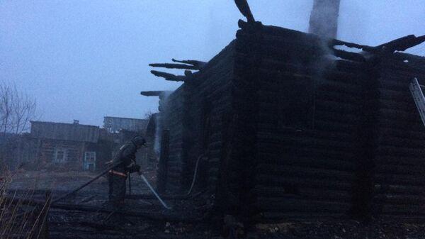 На месте пожара в селе Елань Свердловской области