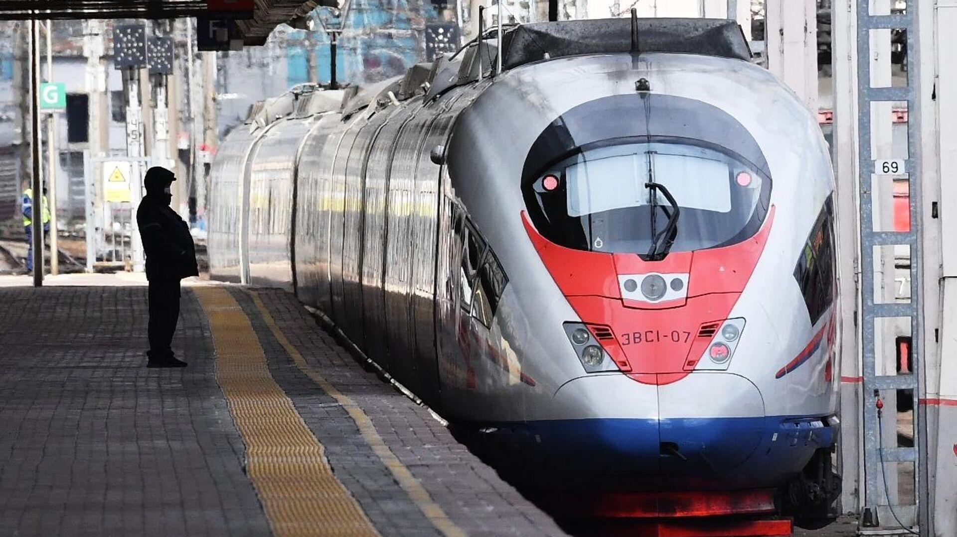 Поезд Сапсан на Ленинградском вокзале в Москве - РИА Новости, 1920, 19.01.2021