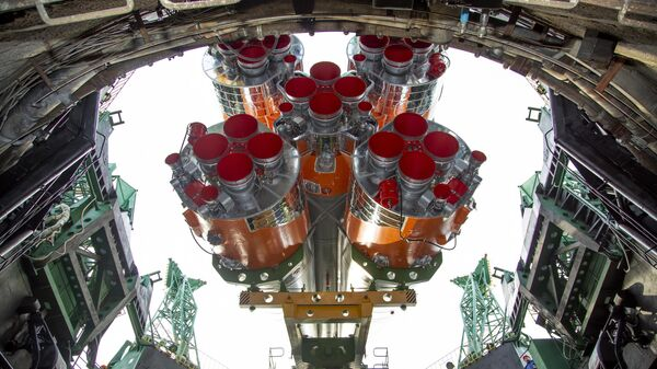 Установка ракеты-носителя Союз-2.1а с пилотируемым кораблем Союз МС-16 на стартовый комплекс площадки № 31 космодрома Байконур