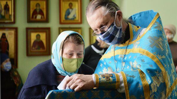 Богослужение в храме Святого преподобного Сергия Радонежского в Челябинске
