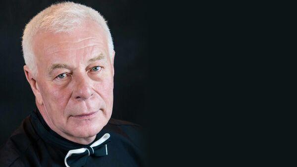 Актер Центрального академического театра Российской Армии, заслуженный артист России Сергей Николаевич Комаров