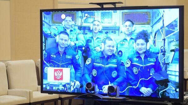 """""""Роскосмос"""" сообщил время возвращения экипажа МКС на Землю"""